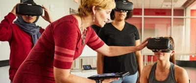 Maryville professor helping students use VR