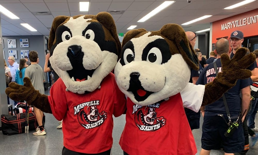 Louie and Maryville's other mascot posing for a photo
