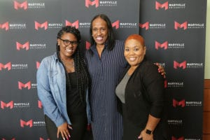 jackie joyner kersee with fans during maryville university leadership event